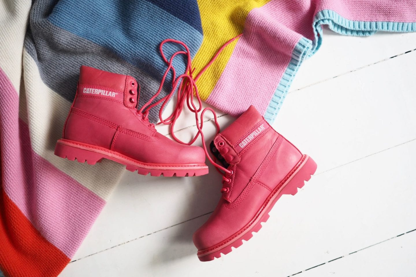 cat-boots-in-bright-red
