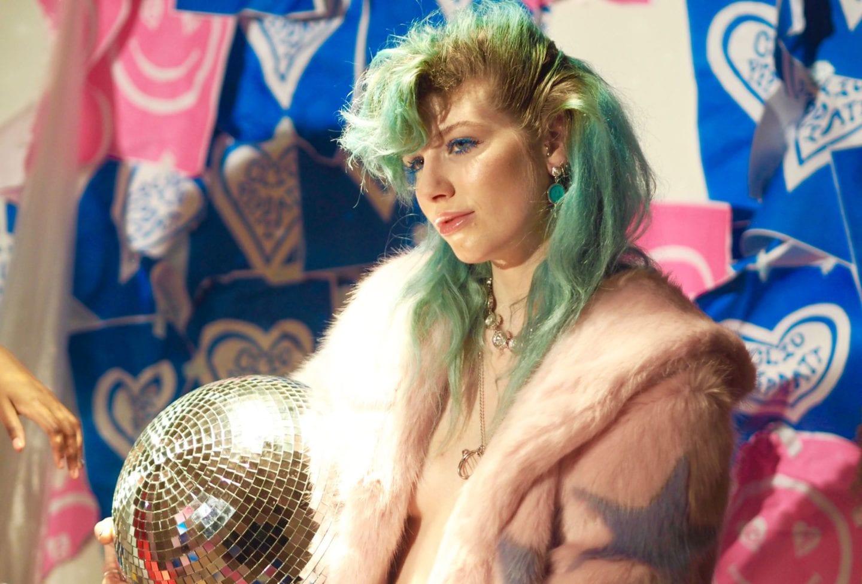 Clio-Peppiatt-london-fashion-week-2017-presentation