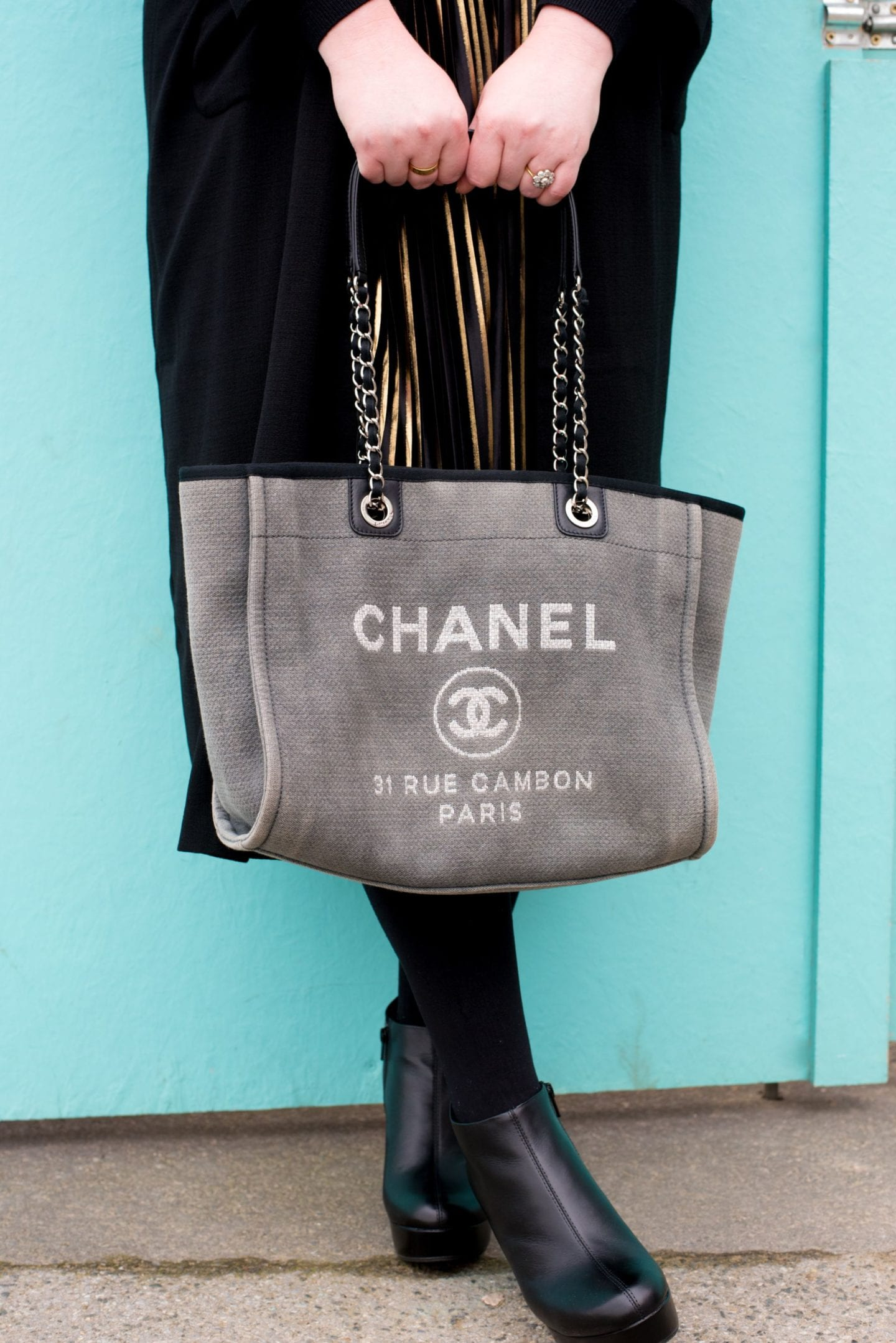Chanel Deauville Tote Bag detail grey canvas tote bag chain