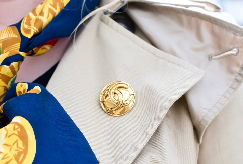chanel gold tone vintage brooch