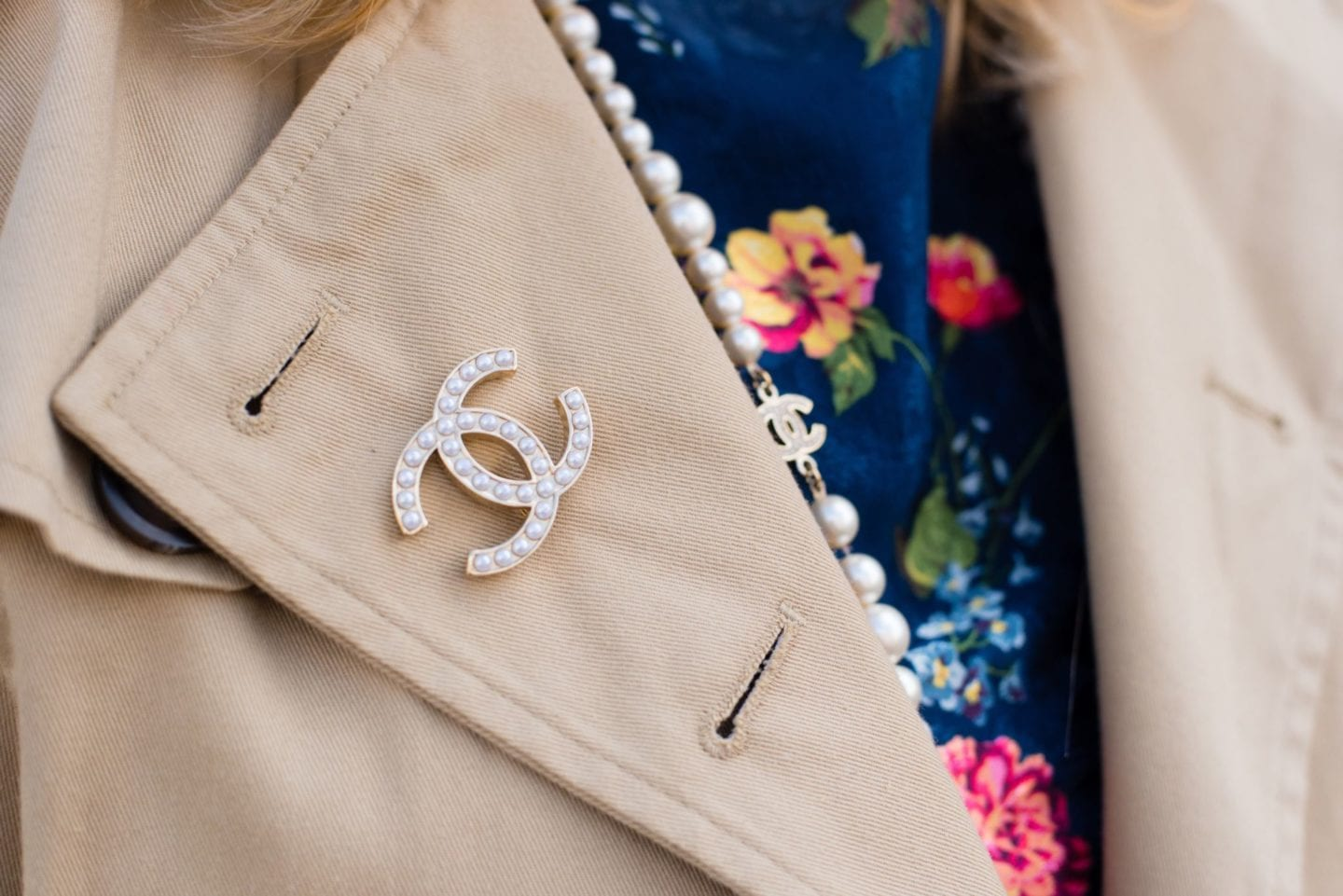 chanel classic pearl brooch disscontinued