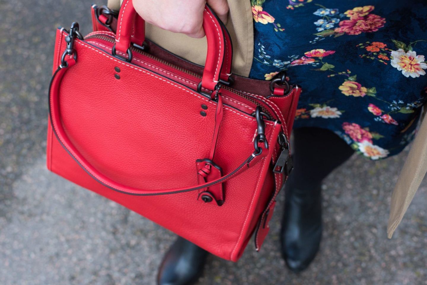 coach rogue handbag red leather tote bag detal shot
