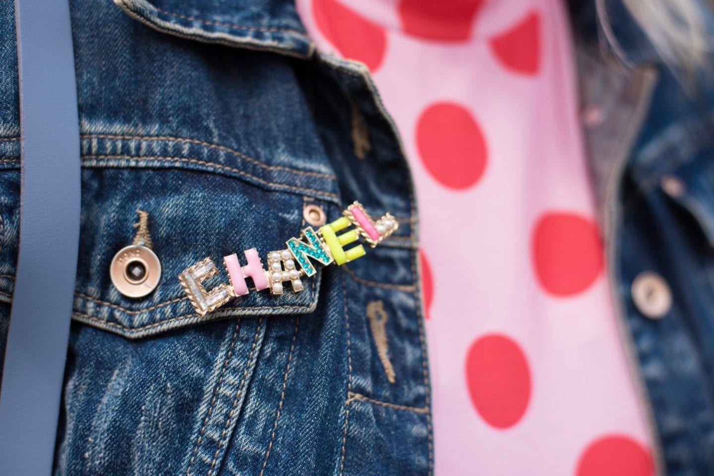 chanel candy brooch pin badge color