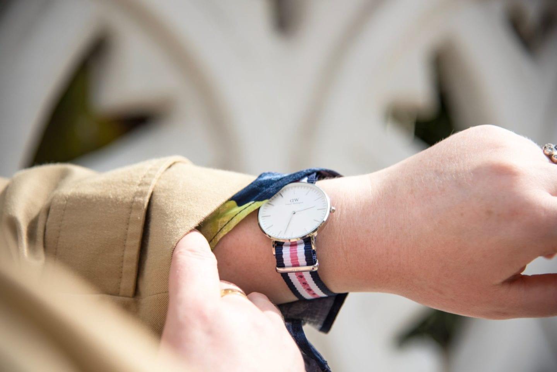 daniel wellington watch pink white blue