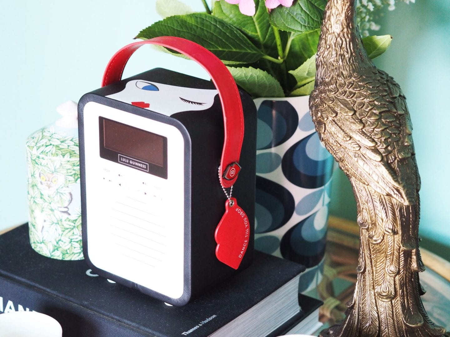 my vq radio lulu guinness face mini retro podcast speaker