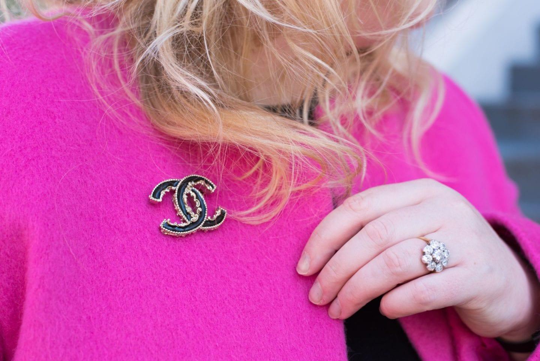 chanel brooch black baroque style pin badgechanel brooch black baroque style pin badge