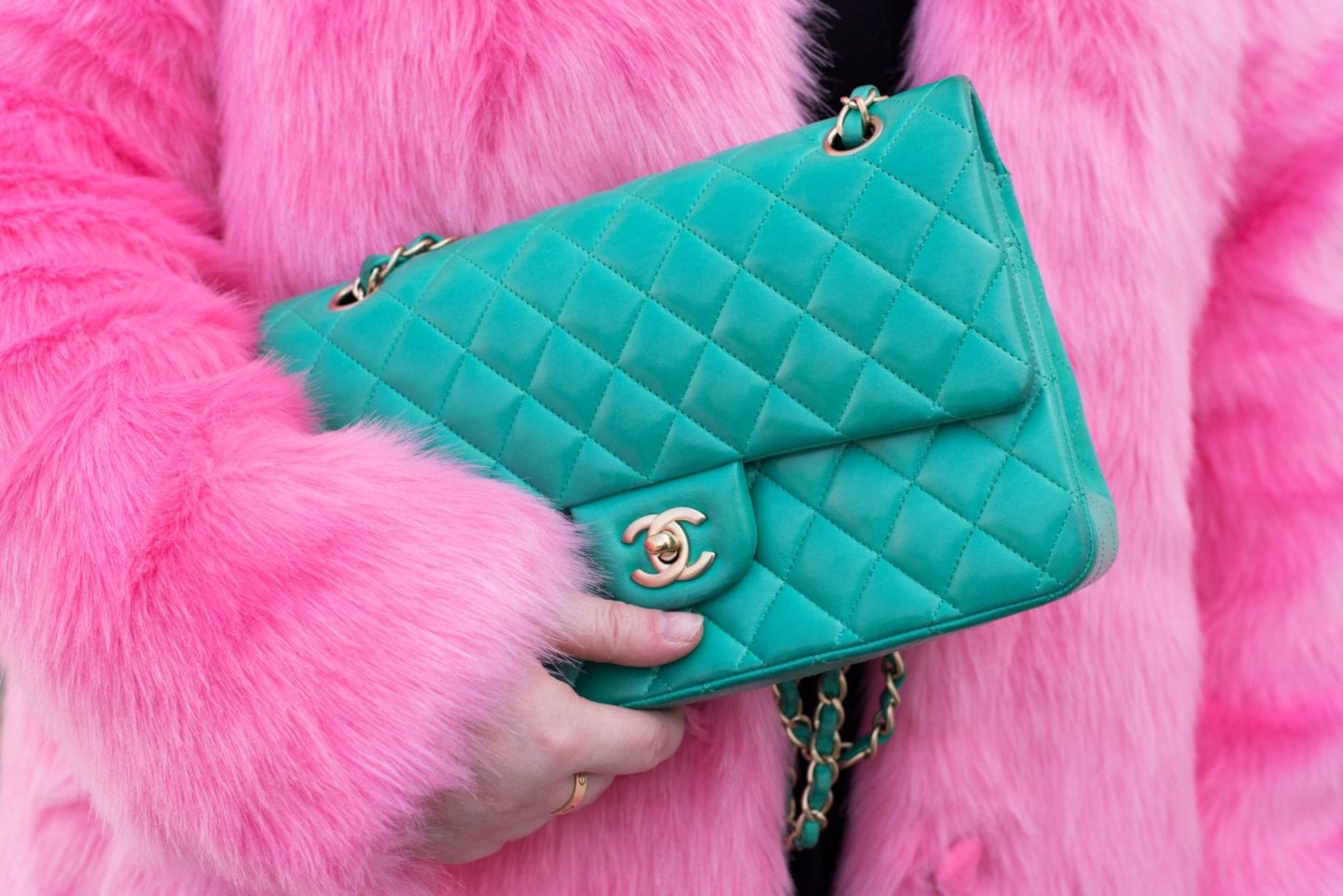 Beware Of Colour Transfer chanel handbag wear and tear green bag
