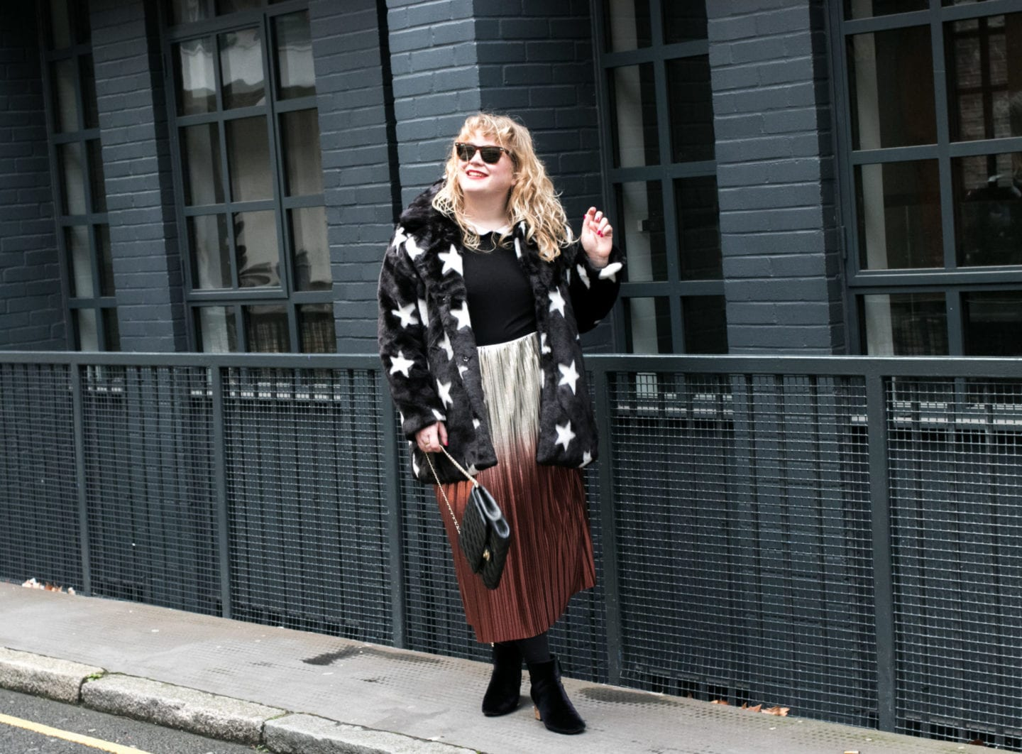 navabi star print fur coat matt