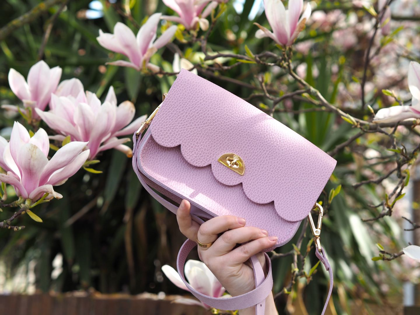 Style: When The Magnolia Matches Your Handbag