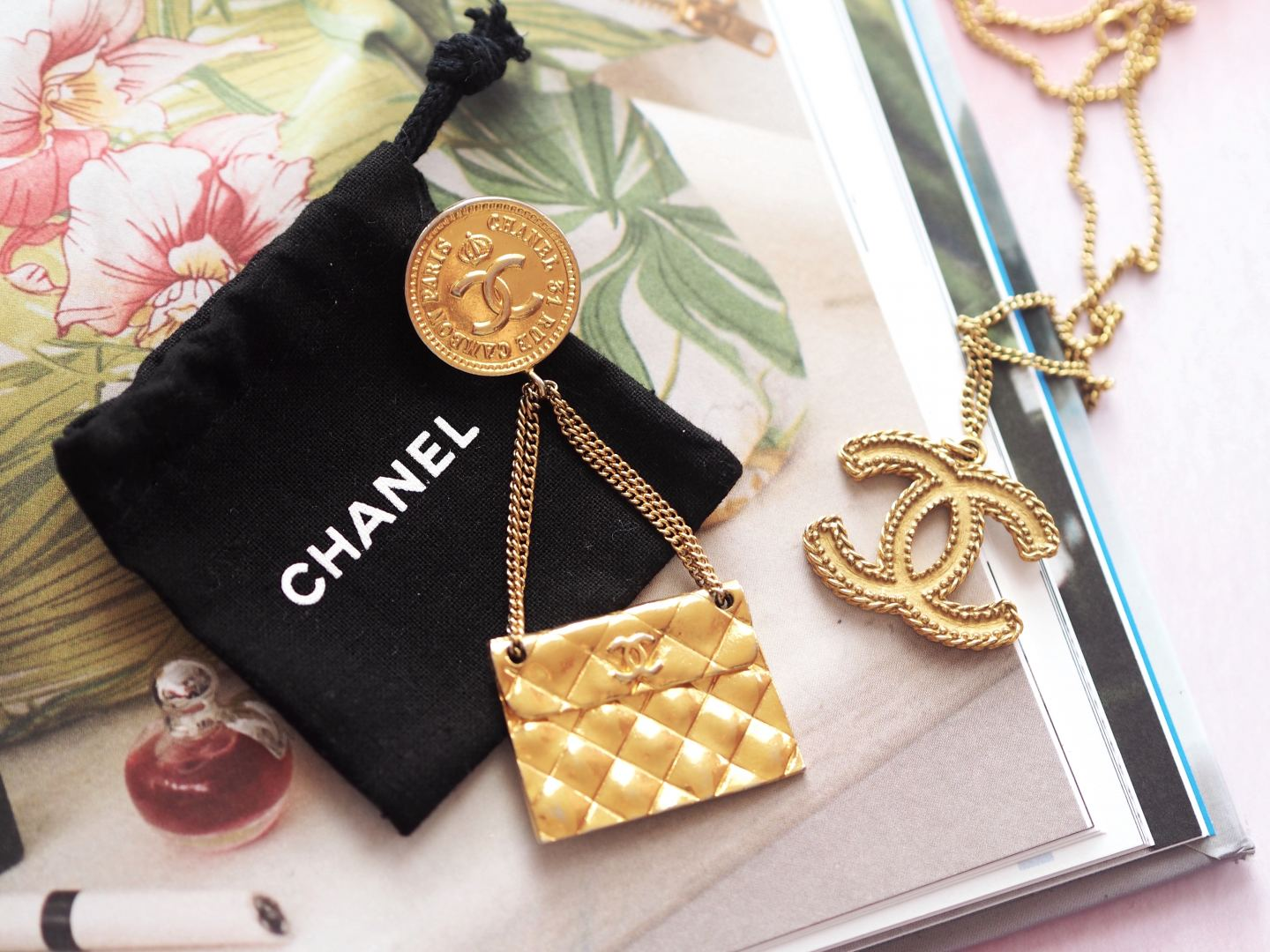 chanel handbag brooch vintage gold tone
