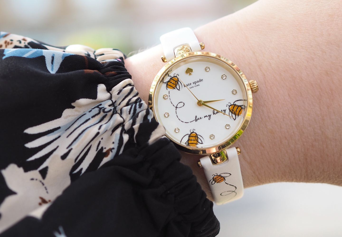 kate spade new york bumble bee watch fashion blogger