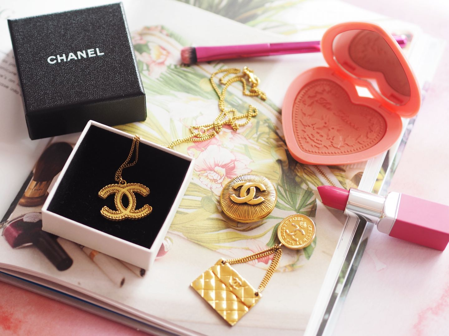 vintage chanel gold tone jewellery