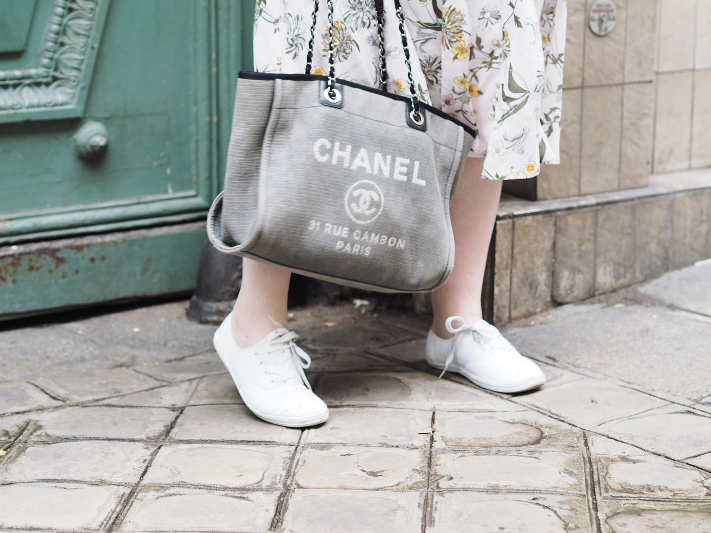 chanel tote bag handbag deauvilles