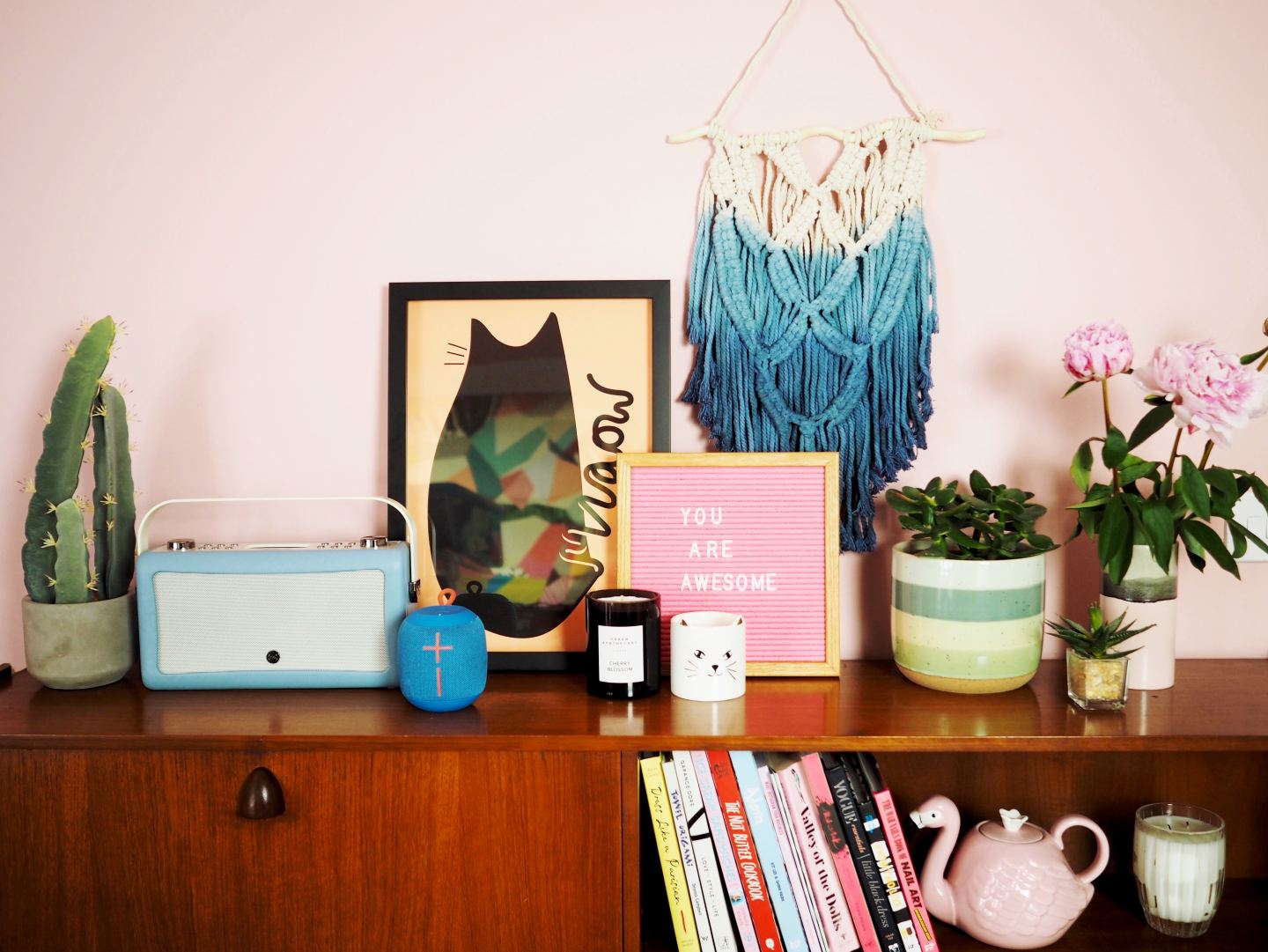 Home: How I Style My Shelves
