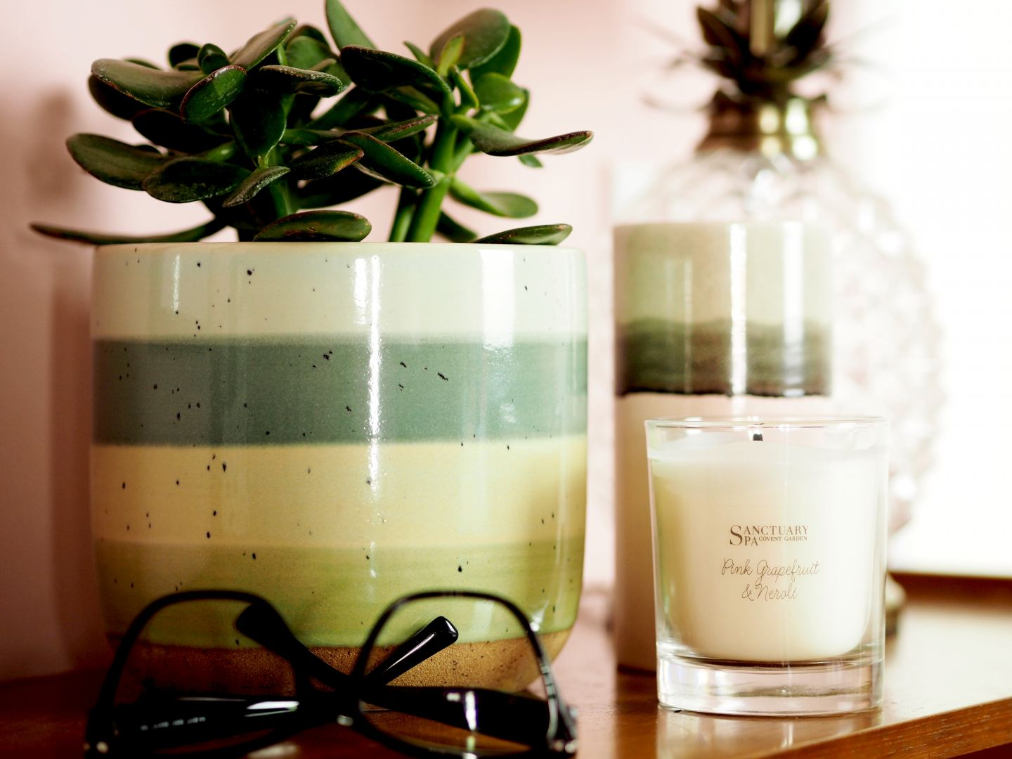 Sanctuary Spa 'Pink Grapefruit & Neroli Votive' candle