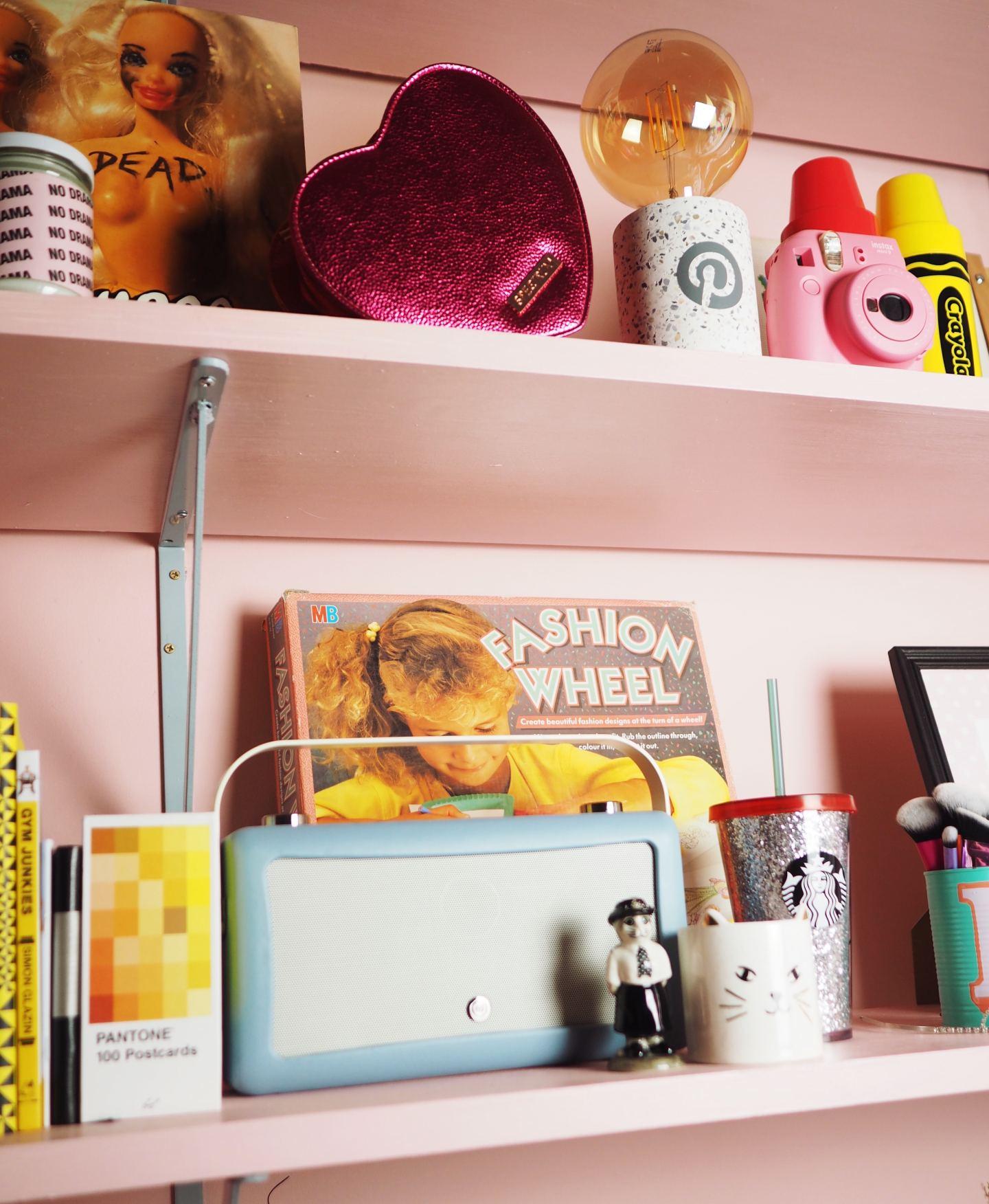 vintage retro pink shelfie dreamphone fashion wheel