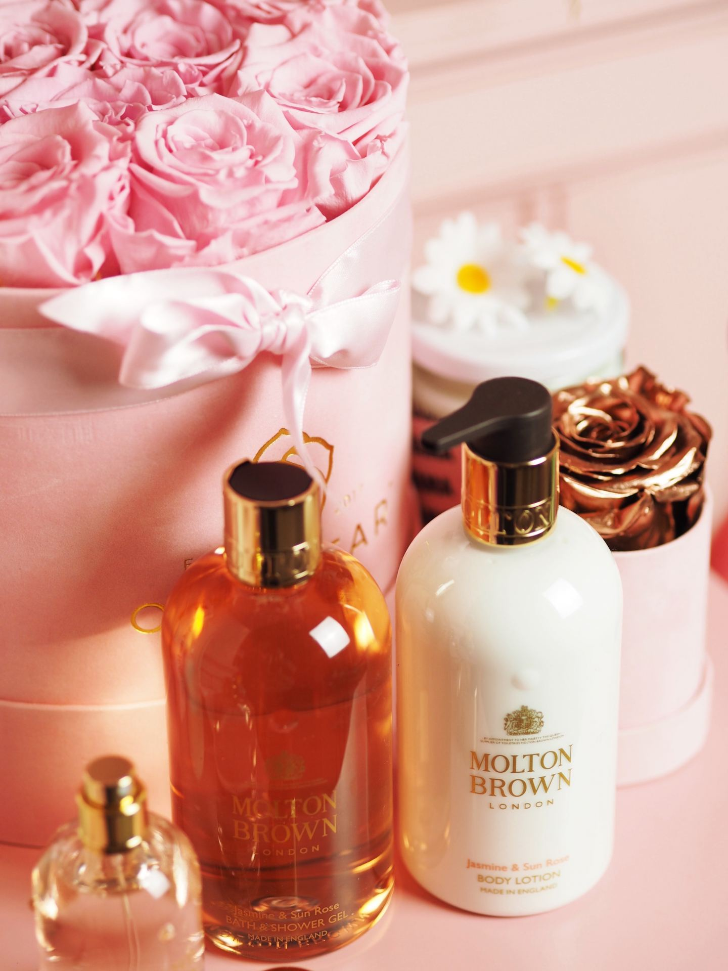 Molton Brown 'Jasmine & Sun Rose' perfume review fragrance