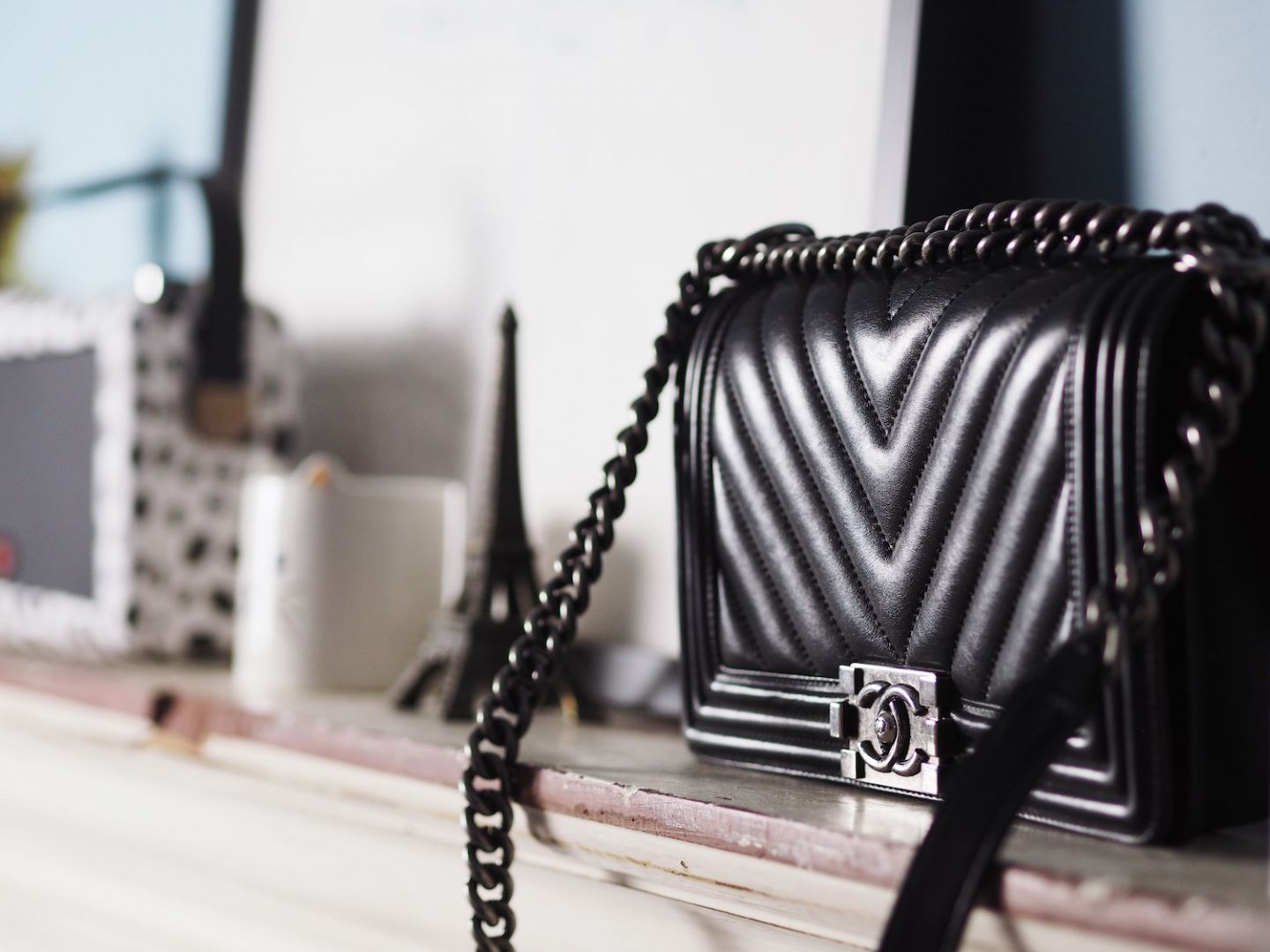 chanel boy bag black chevron