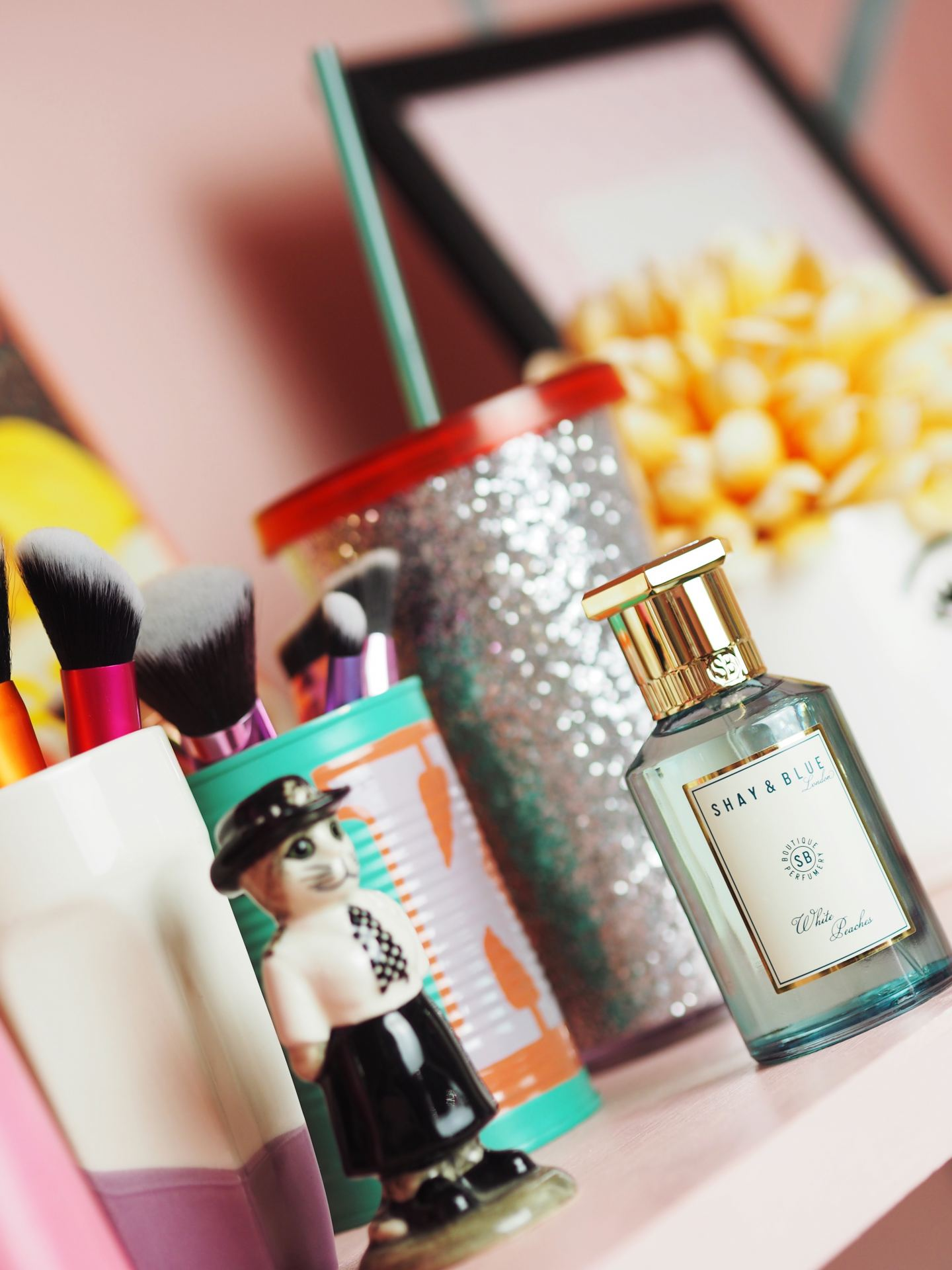 Shay & Blue 'White Peaches' review perfume fragrance