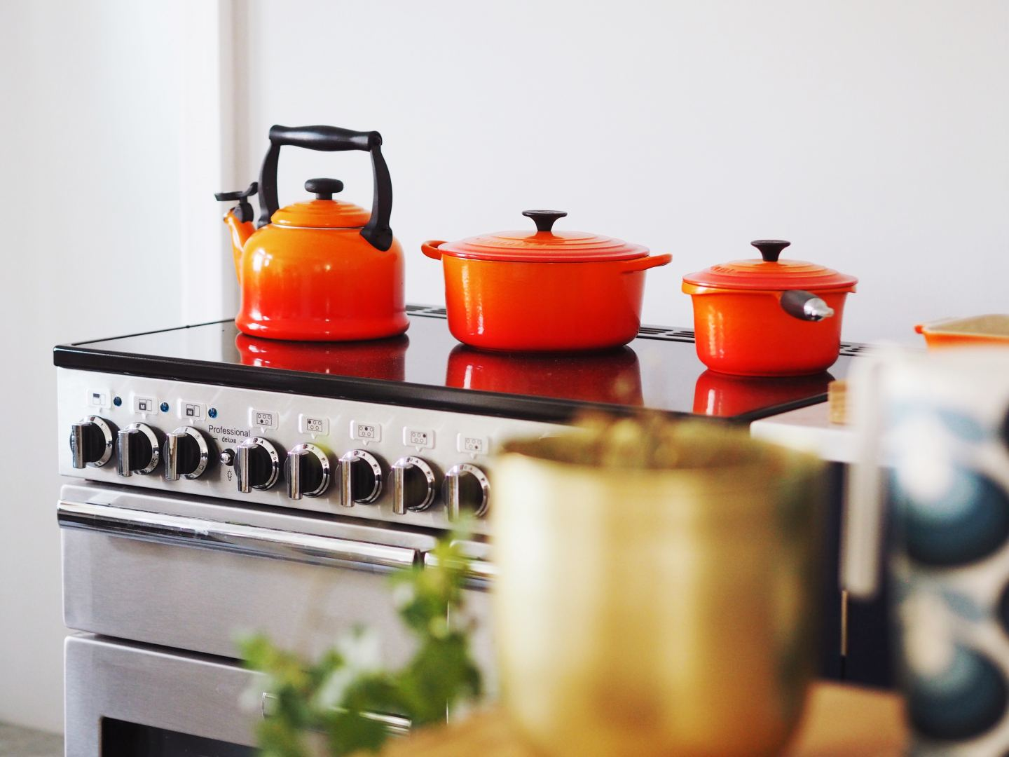 le creuset cookwear orange fashion for lunch kitchen rangemaster cooker AO
