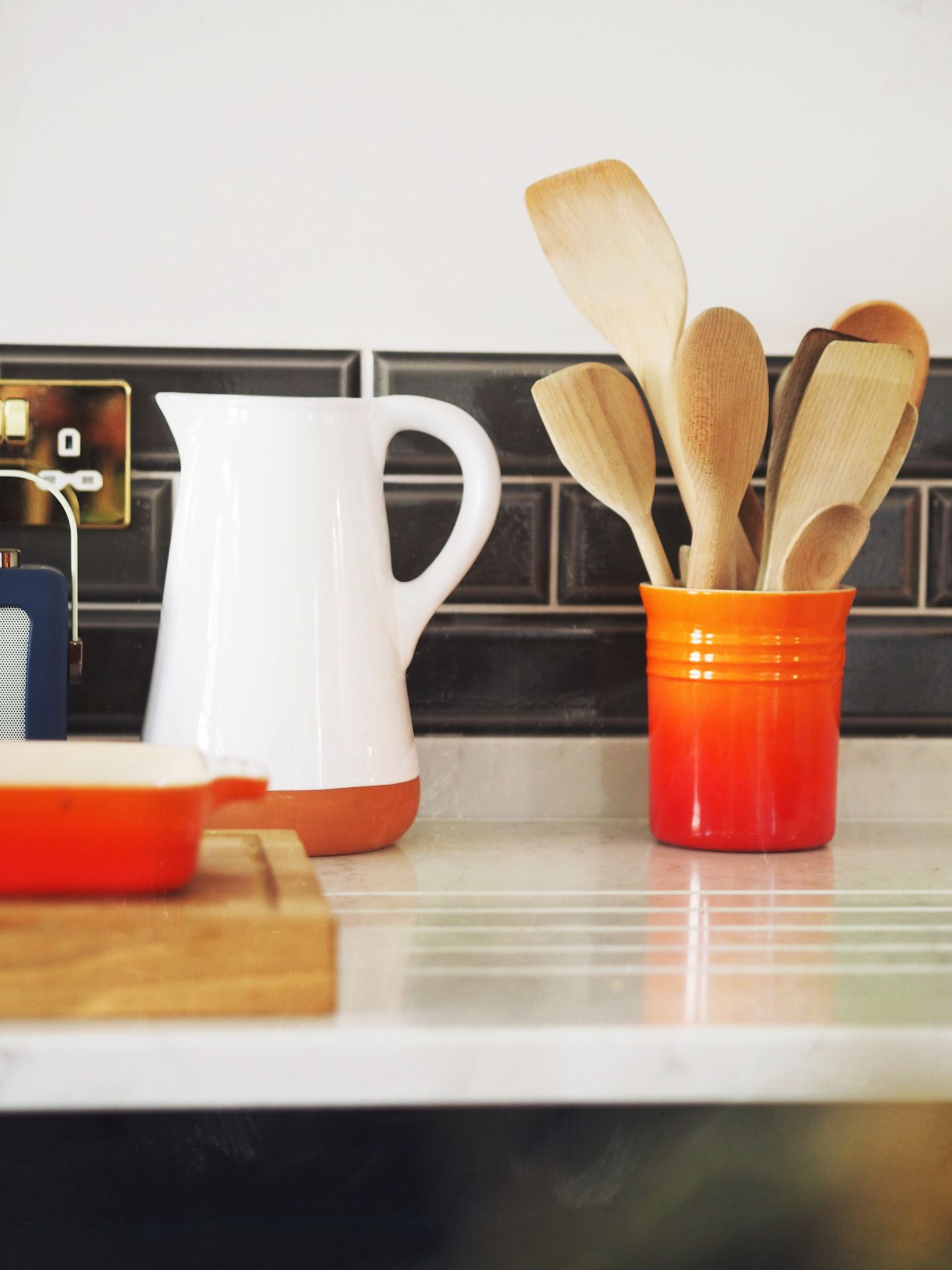 le creuset cookwear orange fashion for lunch kitchen
