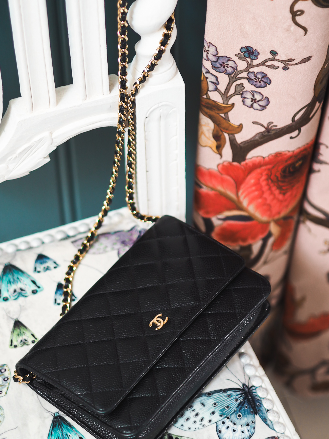 chanel wallet on chanel handbag black caviar leather fashion for lunch blog chanel WOC lambskin