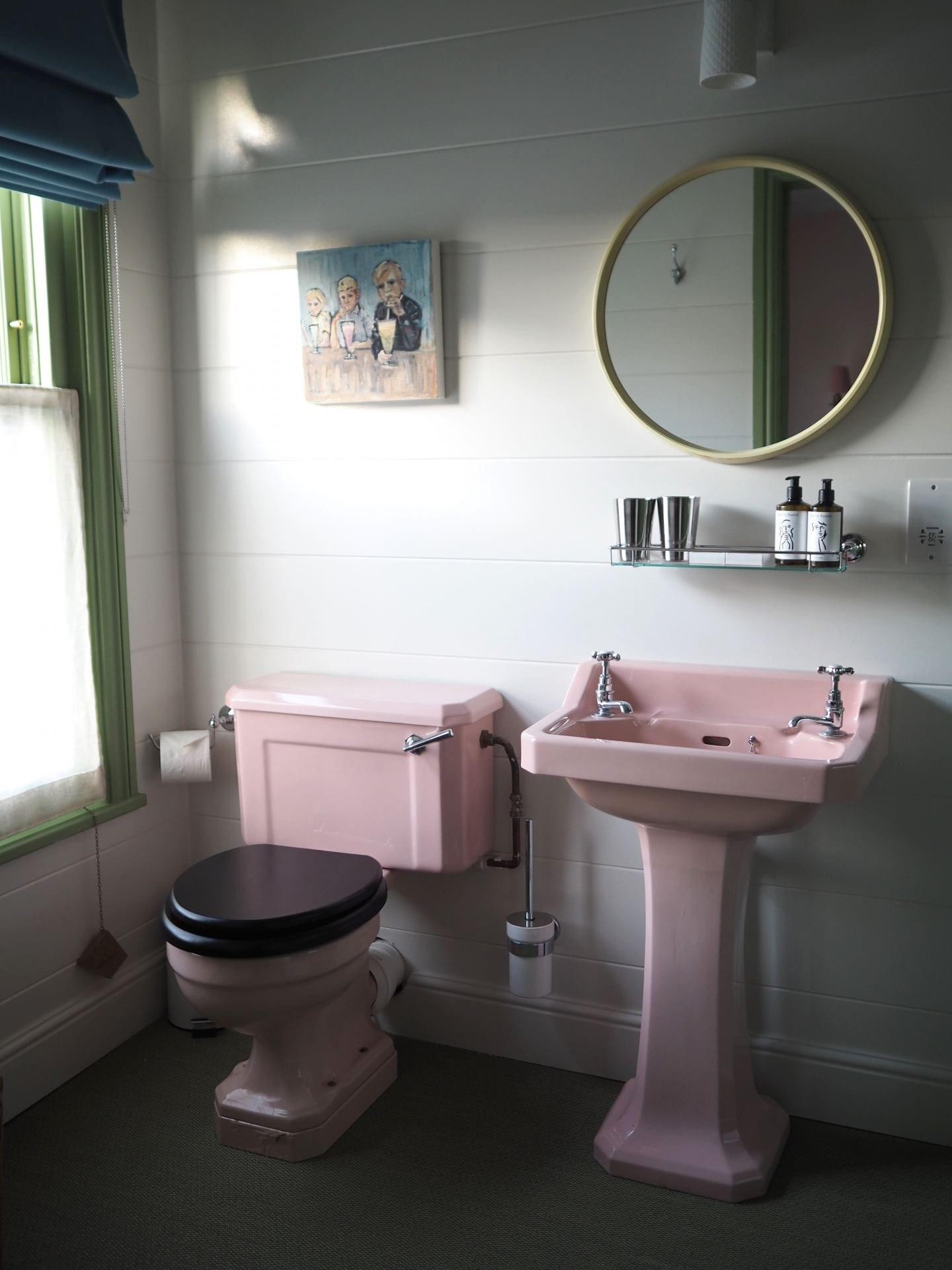 the rose deal kent decor interior design pink vintage retro bathroom