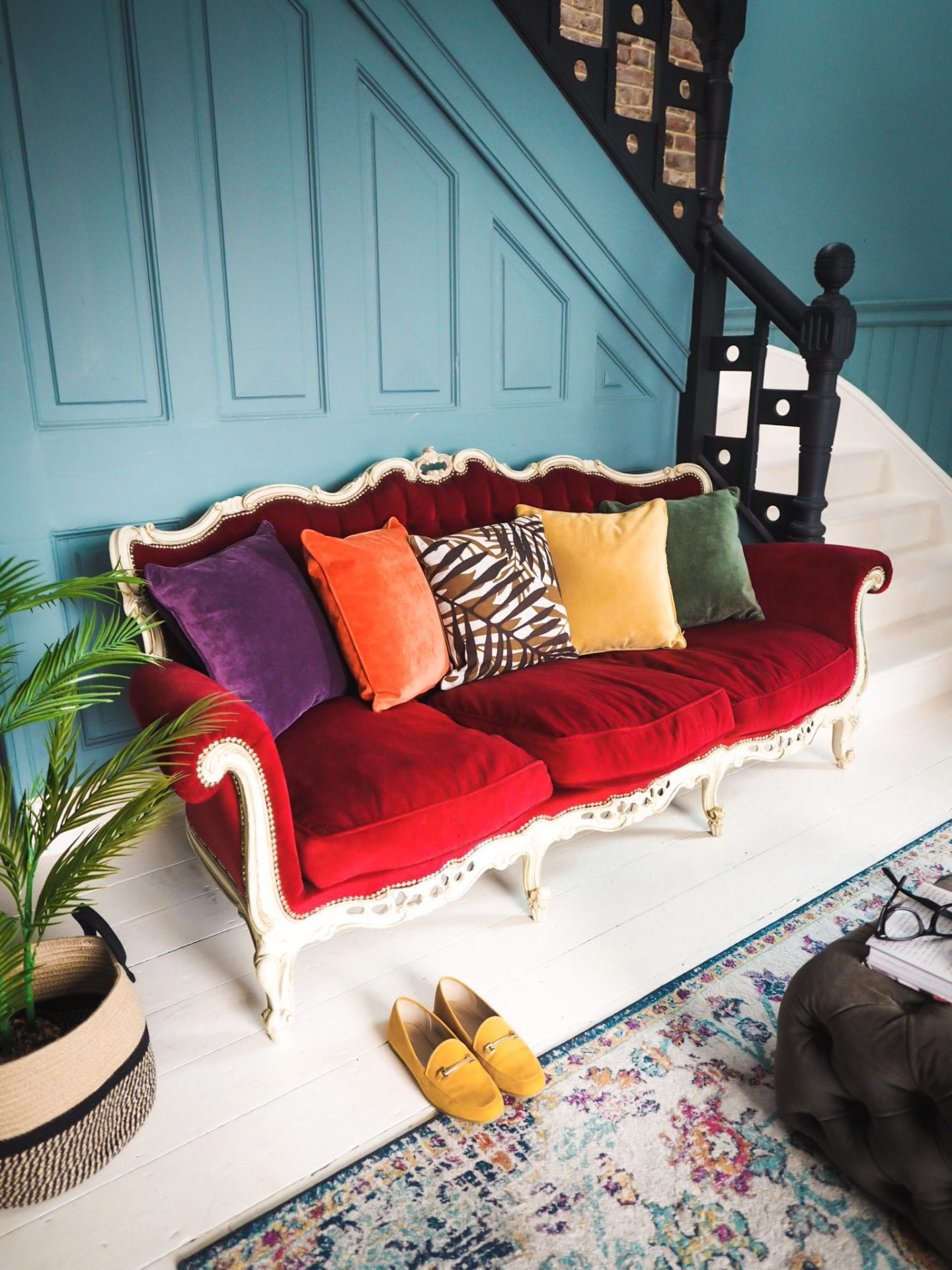 fashion for lunch blog home living room labelsforlunch vintage rococco sofa matalan cushions