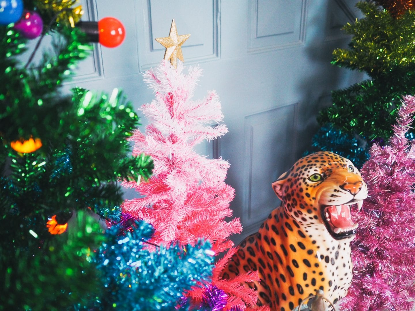 fashion-for-lunch-blog-home-christmas-house-colourful-colour-holiday-decorations-leopard-statue