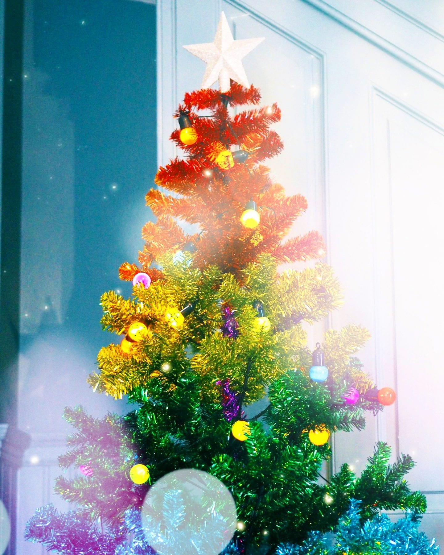 fashion-for-lunch-blog-home-christmas-house-colourful-colour-holiday-decorations-rainbow-christmas-tree-paperchase-luxury-color-colorful