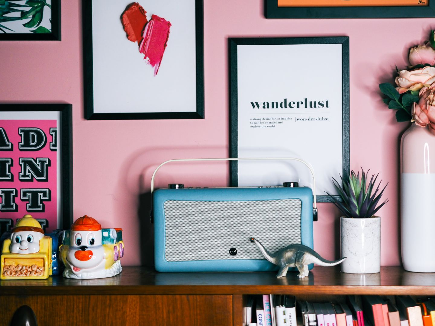 VQ radio review pale blue vintage style radio