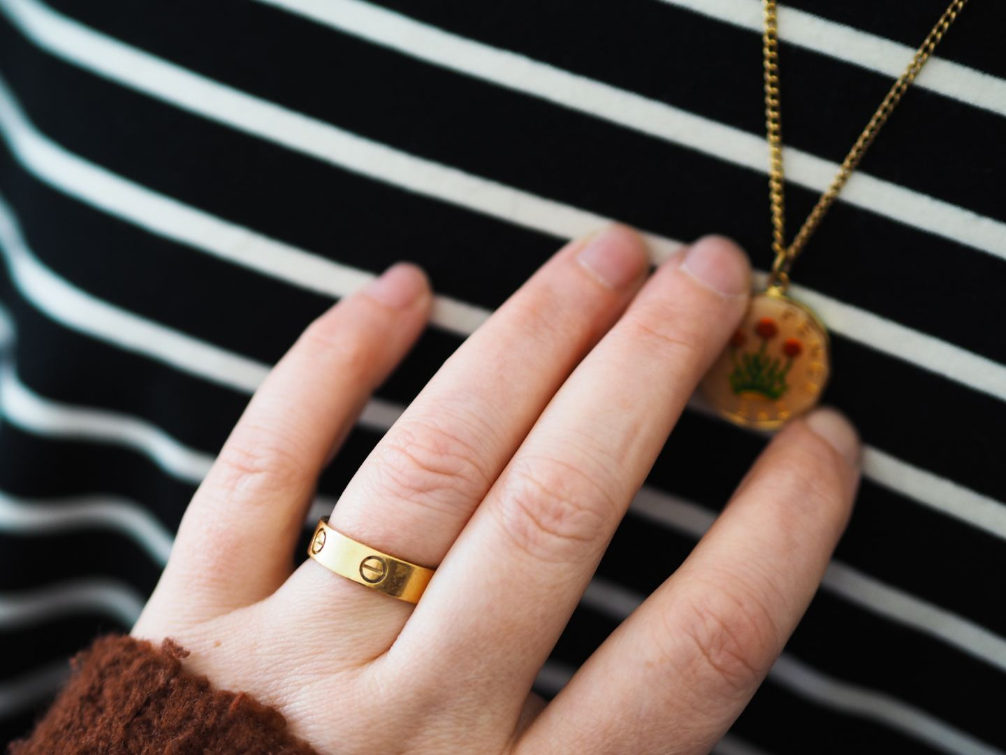 Four Ways To Wear The Cartier Love Ring how to style