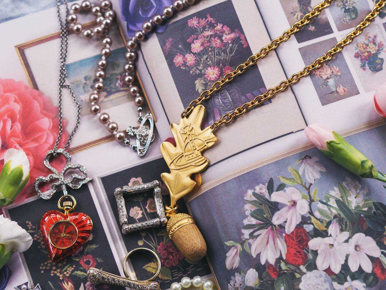vivienne westwood oak leaf necklace rare gold statement pendant