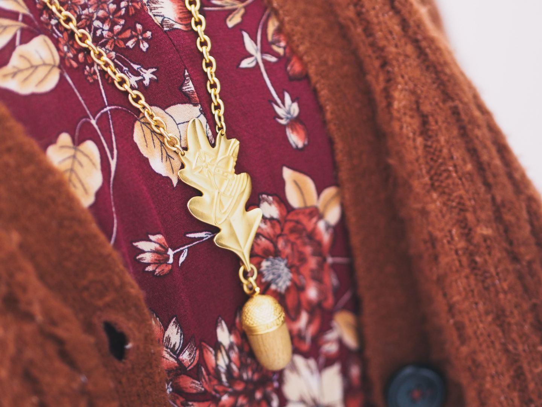 vivienne westwood oat leaf necklace