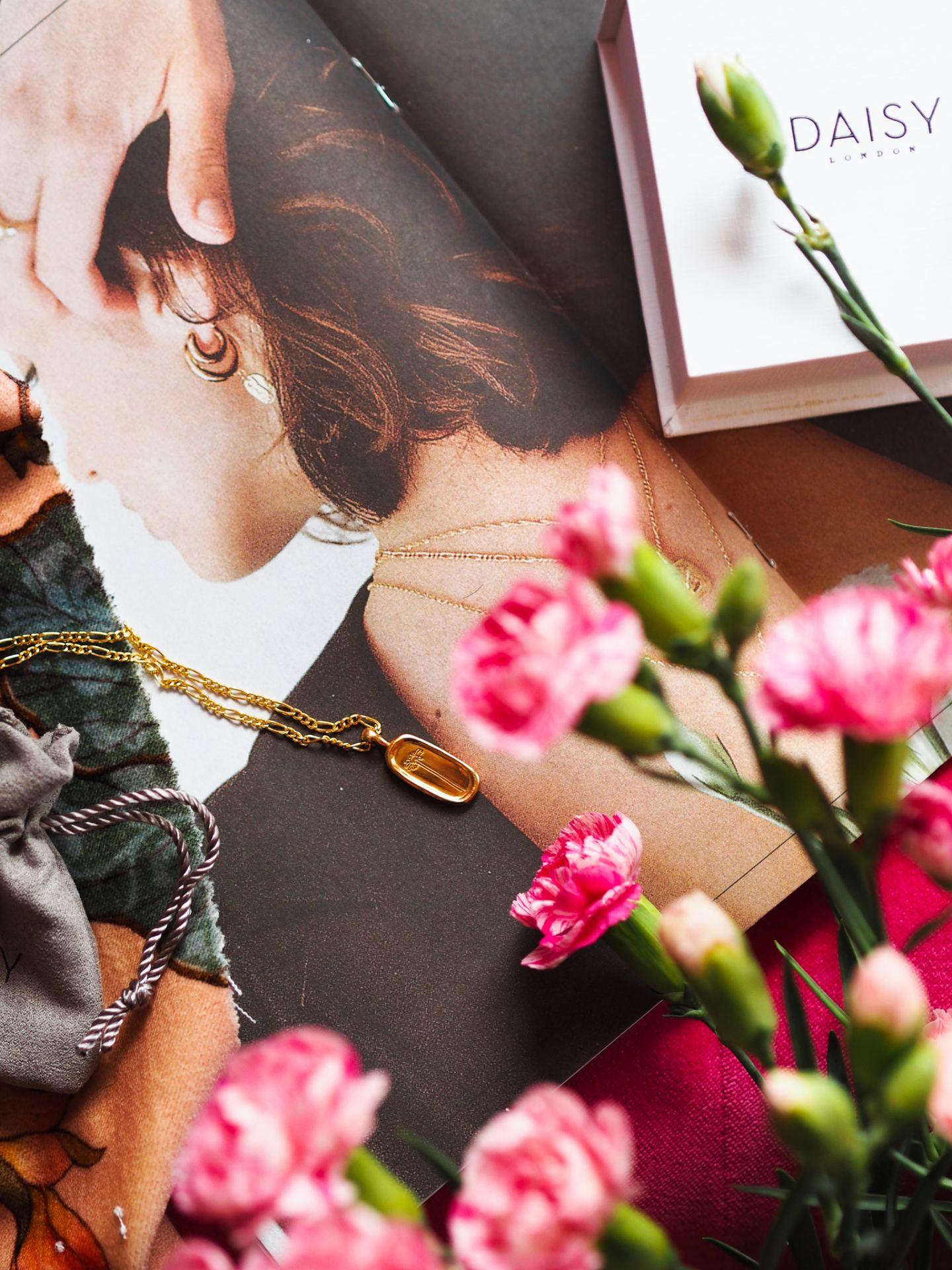 Daisy London Flower Necklace