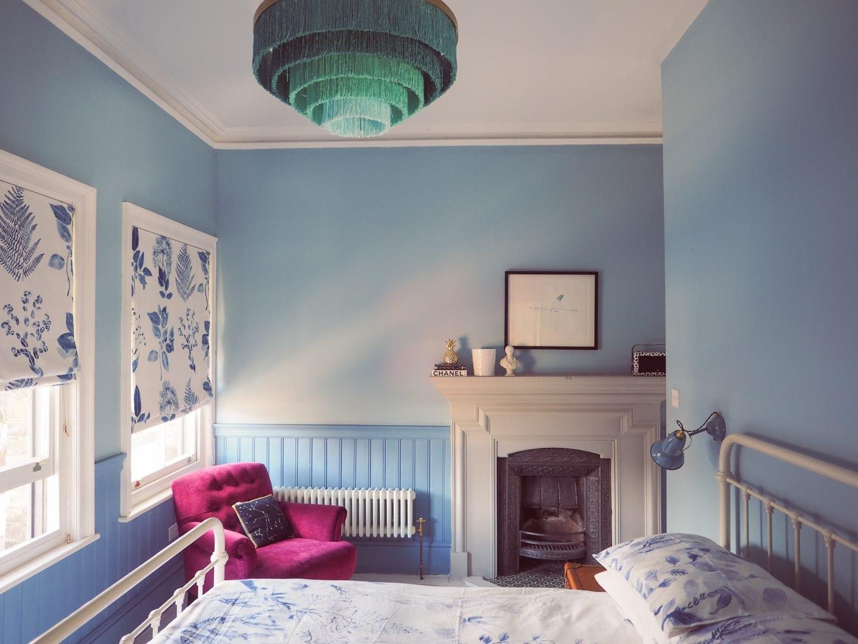 blue-seaside-bedroom-victorian-house