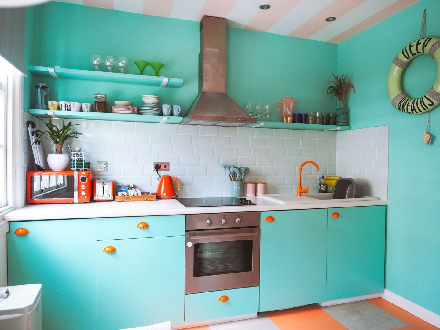 Margate suites hotel airbnb holiday cottage aqua and orange kitchen