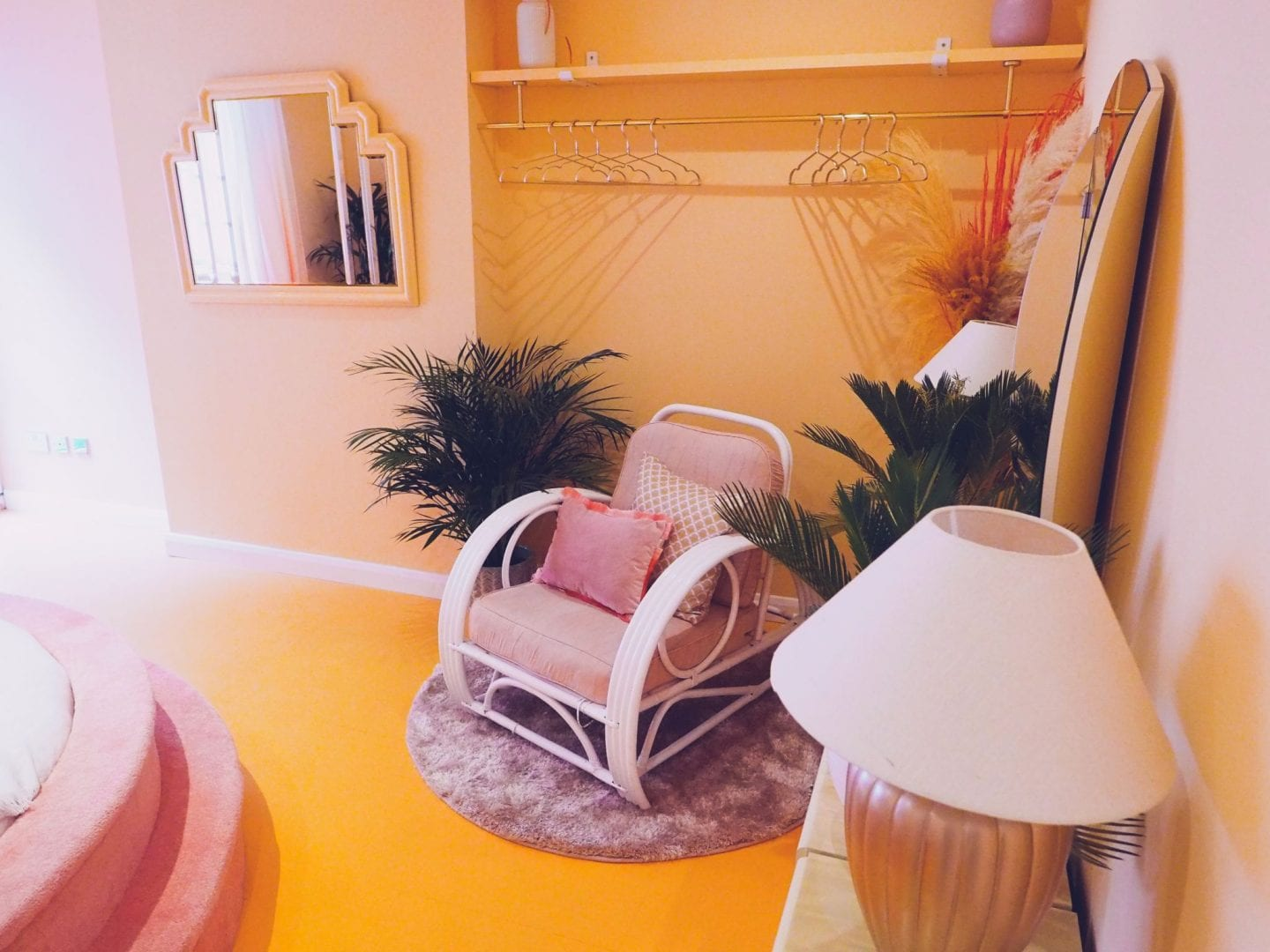 Margate suites hotel airbnb holiday cottage seashell bedroom bed wicker chair