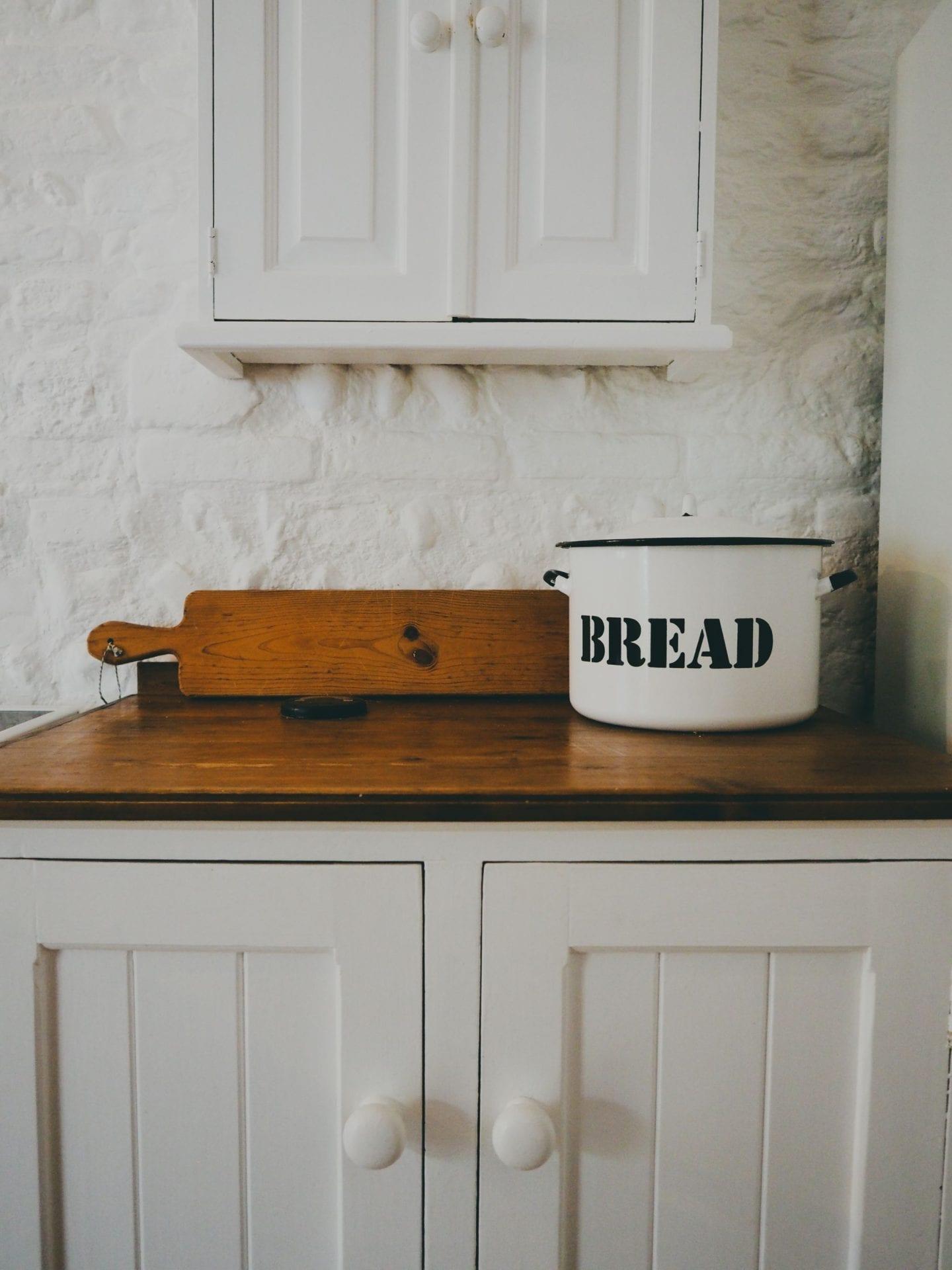 english country kitchen beautiful kitchen plates bread bin country kitchen ideas