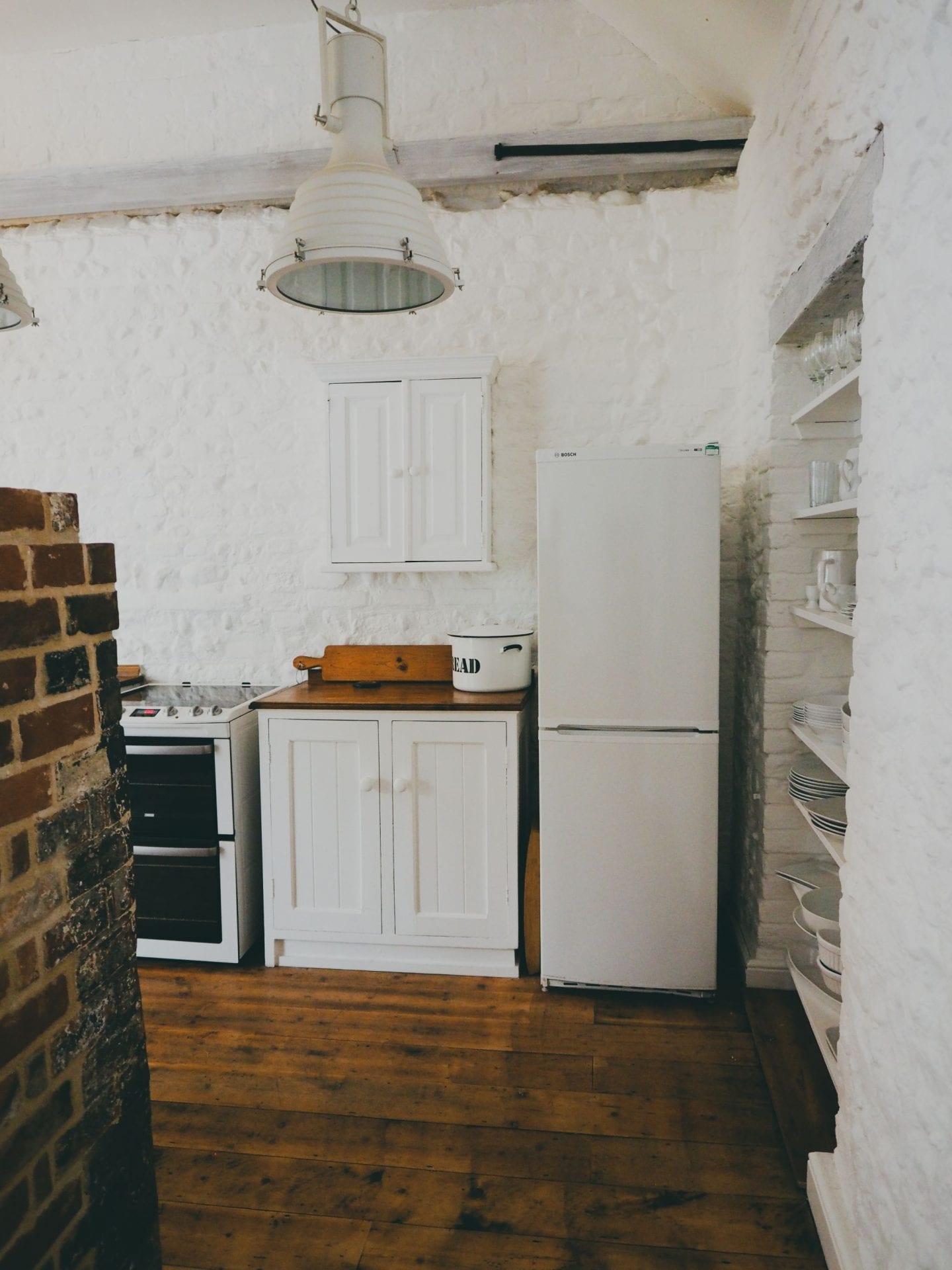 english country kitchen exposed brickwork