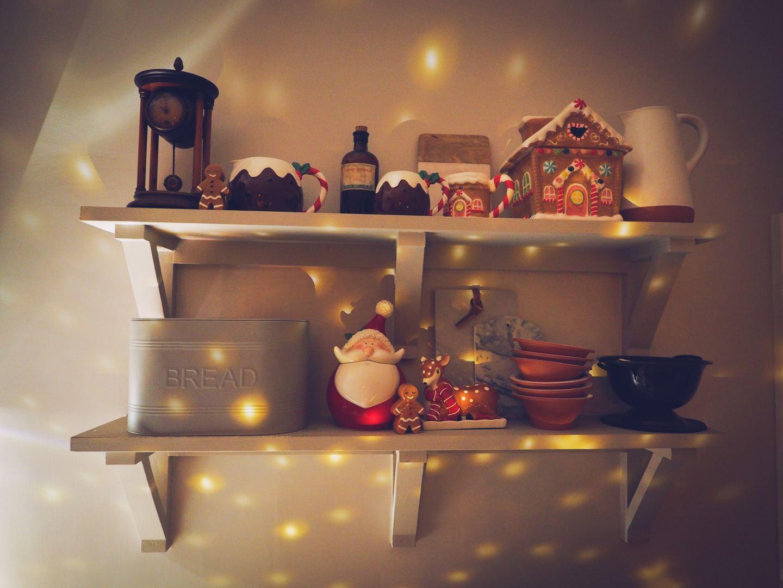christmas shelfie