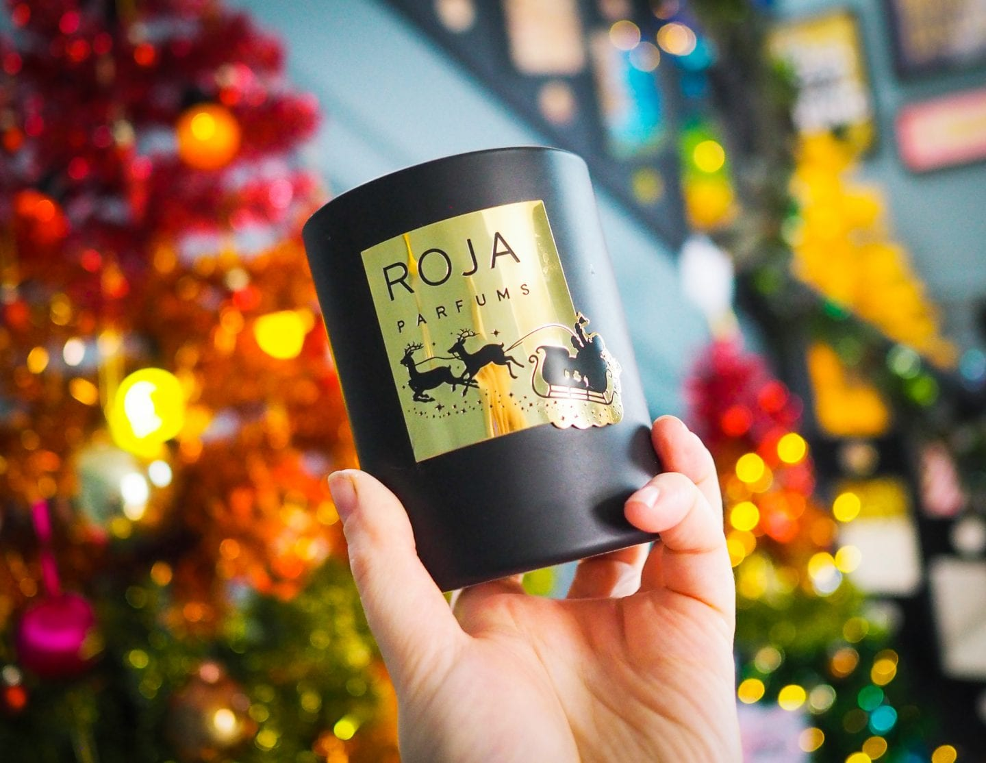 What's so special about Roja Parfums 'Essence of Christmas' Candle?! Review
