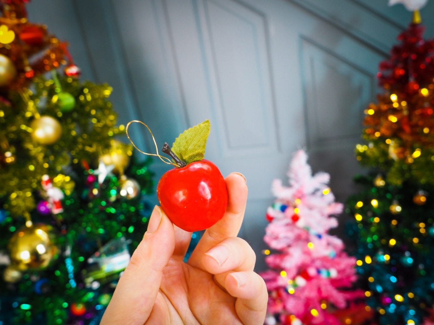 vintage-christmas-decorations-charity-shop-thrift-store-review-haul-apple-bauble