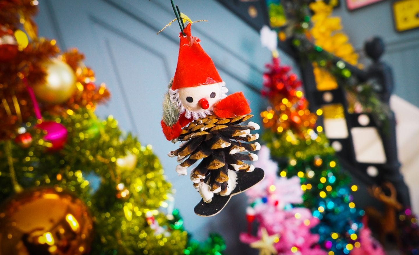 vintage-christmas-decorations-charity-shop-thrift-store-review-haul-pinecone-man-decoration