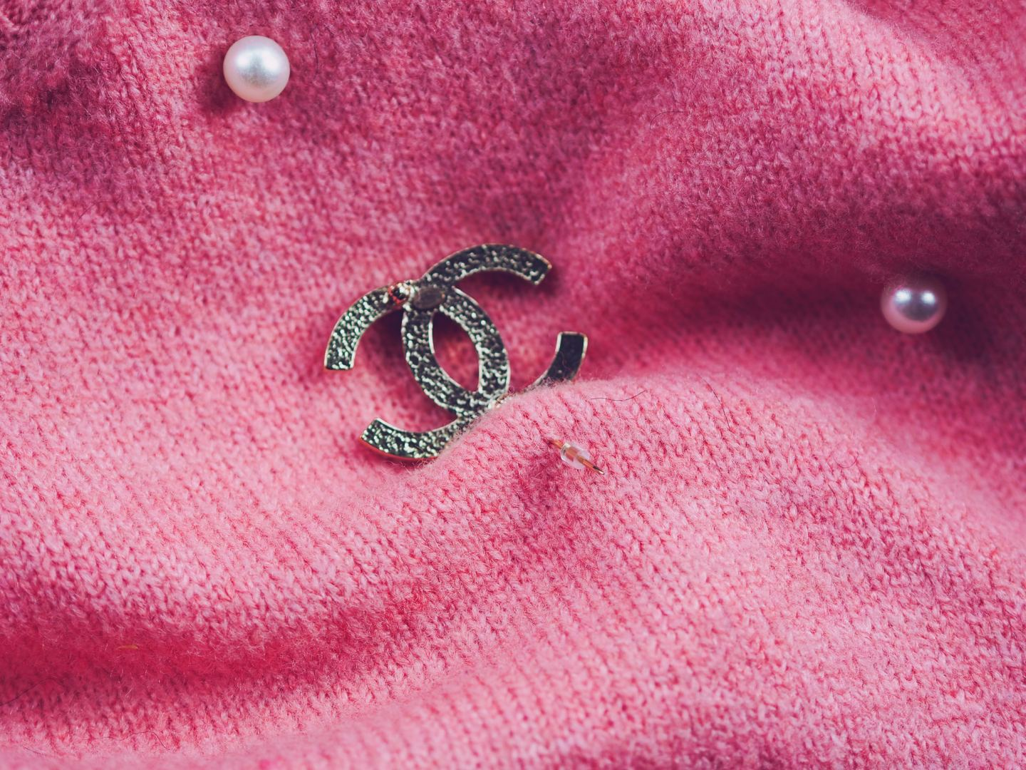 How To Stop A Chanel Brooch From Falling Off chanel pearl