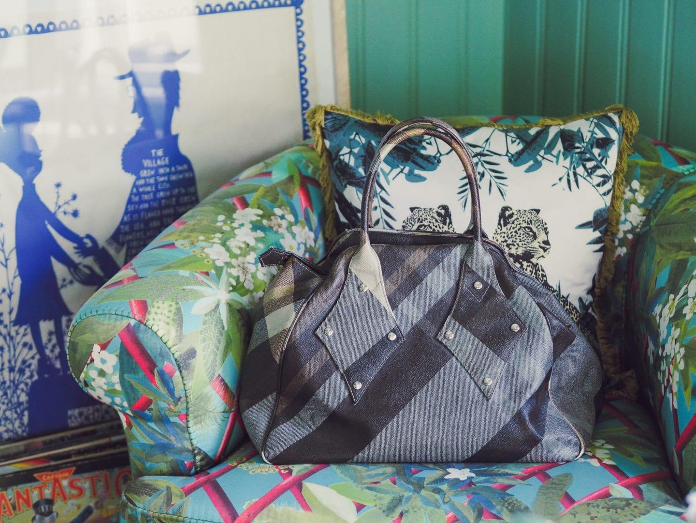 vivienne-westwood-ebury-bag-bowling-bag-review-handbag-grey-large-medium-size