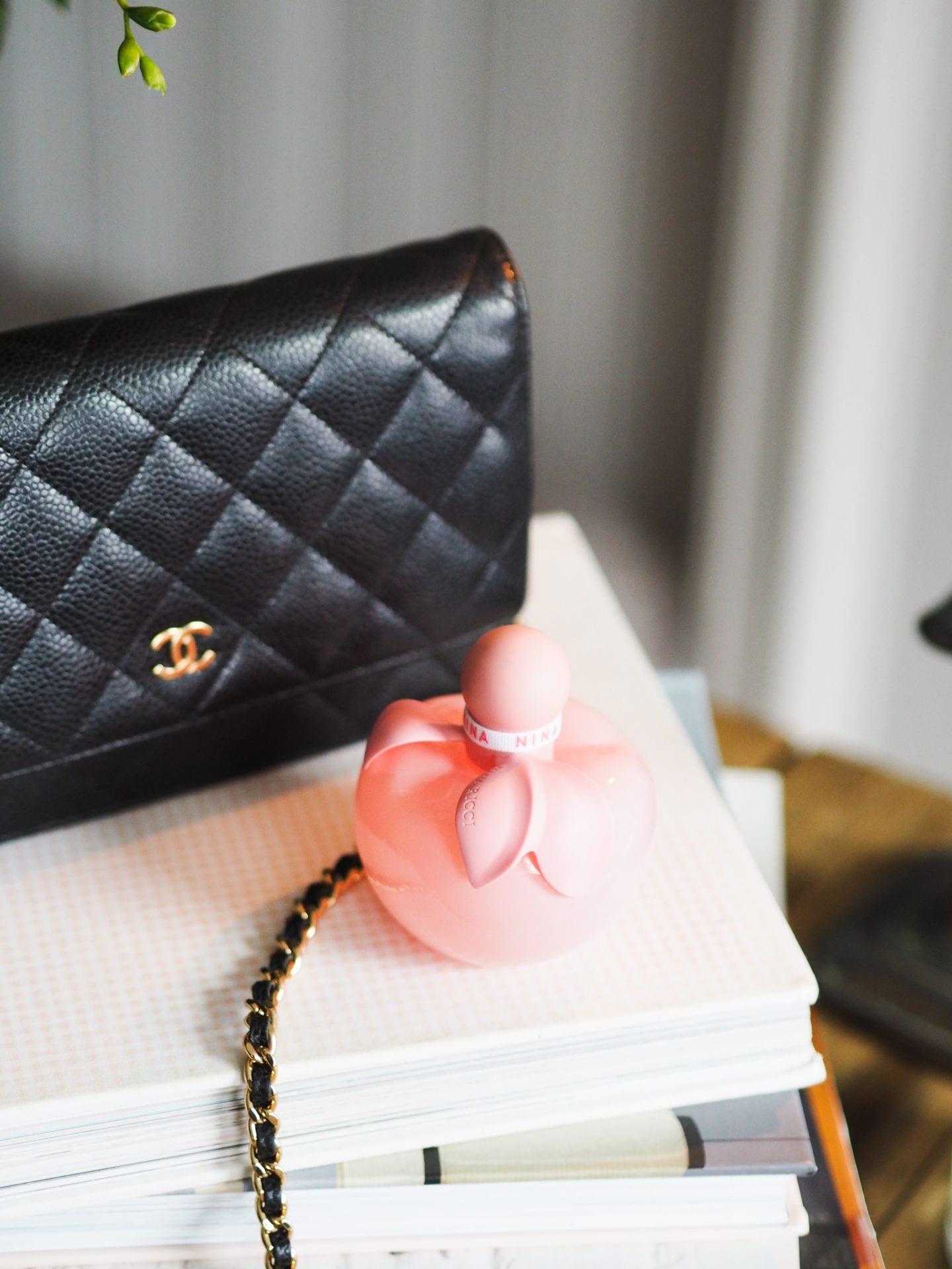 nina-ricci-rose-perfume-review-pink-bottle