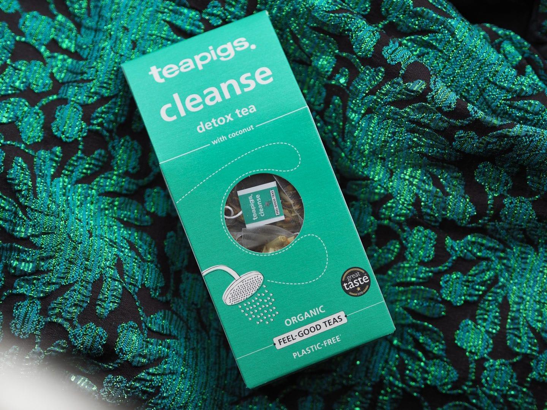 teapots cleanse tea