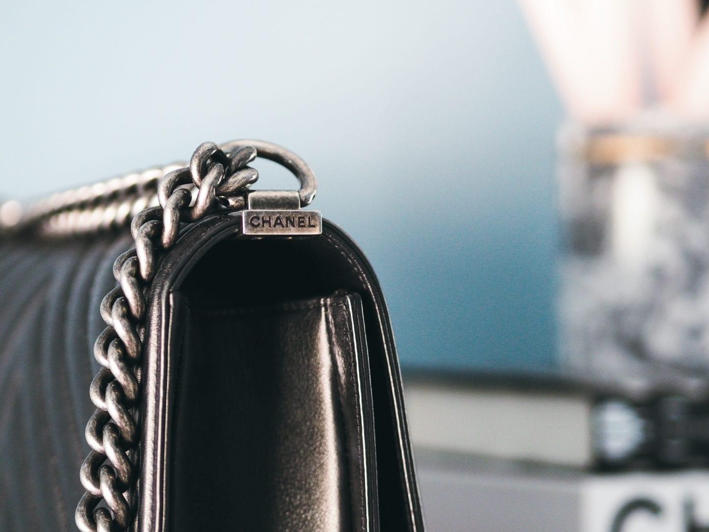 chanel-boy-bag-chanel-branding-detail-handle-strap-hardware-antique