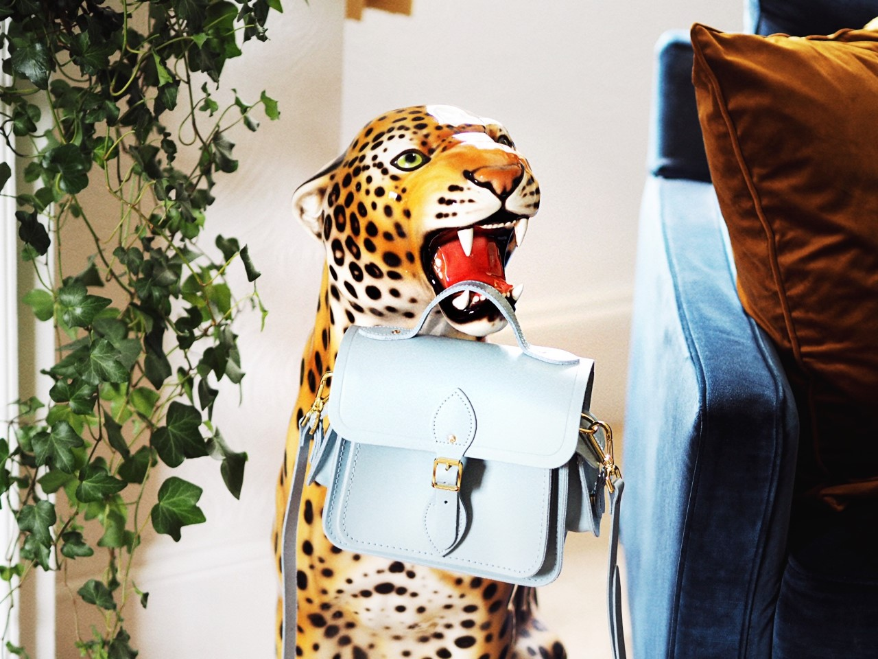 Cambridge Satchel Company Traveller Bag Review!